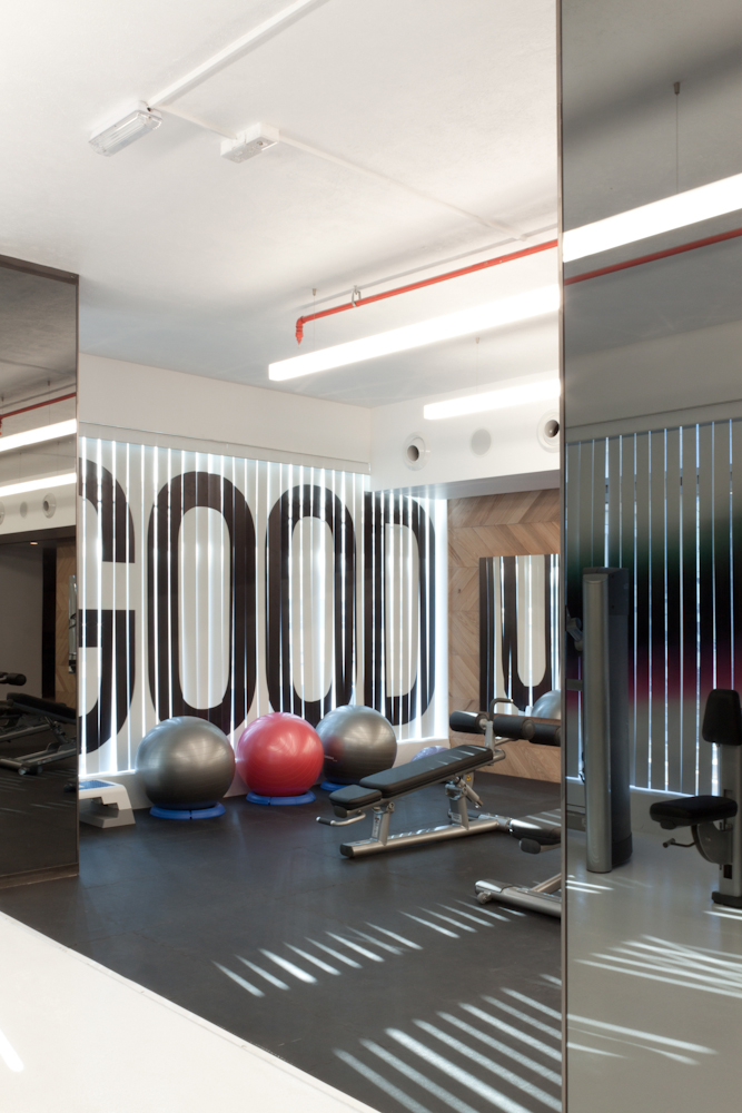 Home Gym Design Ideas besides Remodel The Garage So That You Can Turn This Into A Hobby Or Play Gym besides Fitness Room Design Layouts as well Home Gym Design Tips And Pictures likewise Beginners Workout Plan At Home. on fitness gym interior design ideas